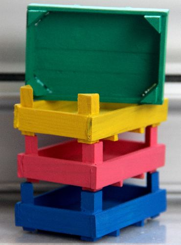 Minyatür ahşap kasa